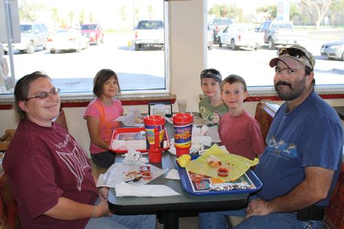Canyon locals enjoy the new Taco Villa. Photo by Ryan Schaap.