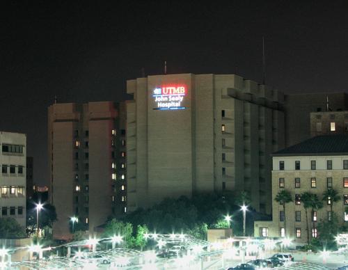 John Sealy Hospital, Galveston. Photo courtesy of Wikimedia Commons.