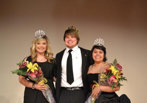 Junior Queen Briana Harbell, Senior King Eric Freelan and Junior Queen Cecilia Hernandez. Photo by Alex Montoya.