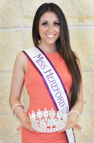 Amy Romero competes in the Miss America Latina of the World organization and is currently Miss Herford.